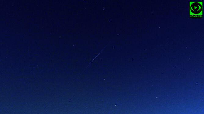 Linia światła przetnie niebo nad Polską. Sprawdź, kiedy spojrzeć w górę
