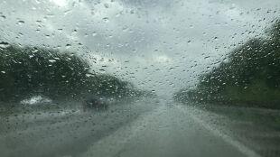 Pogoda miejscami utrudni jazdę